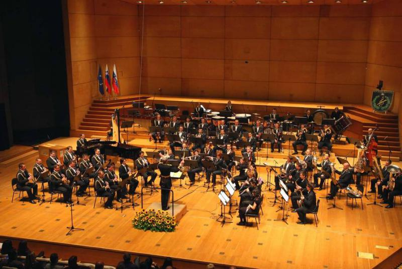 Slovenian Armed Forces Band, Andreja Šolar, conductor